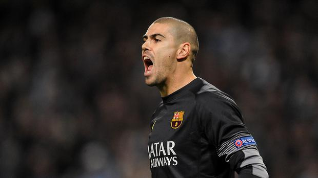 Victor Valdes has signed for Manchester United.