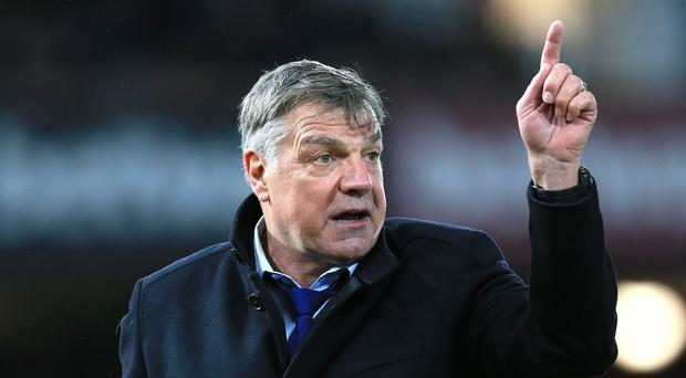 West Ham manager Sam Allardyce believes bottom side Leicester could yet survive this season