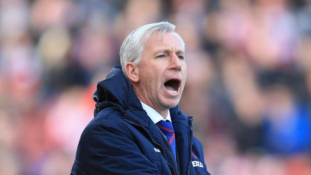 Crystal Palace manager Alan Pardew, pictured, sees his side tackle former boss Tony Pulis' West Brom