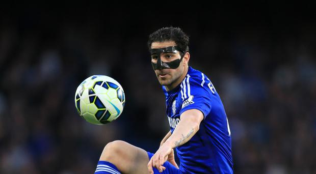 Chelsea's Cesc Fabregas, the former Arsenal captain, is closing in on a first Premier League title
