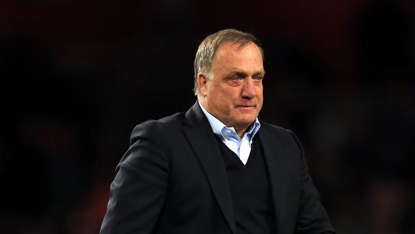 Dick Advocaat has been offered a long-term contract with Sunderland