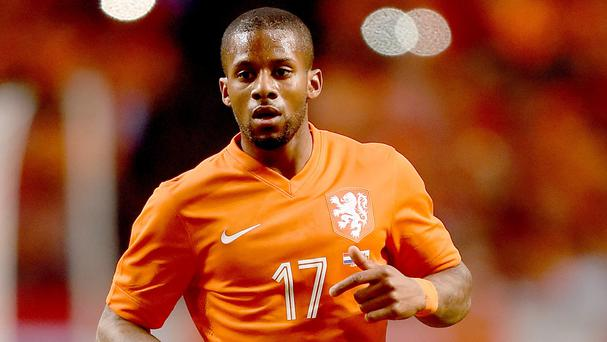 Holland midfielder Jeremain Lens has completed his move to Sunderland