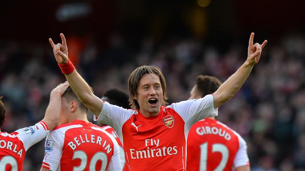 Arsenal midfielder Tomas Rosicky has undergone knee surgery.