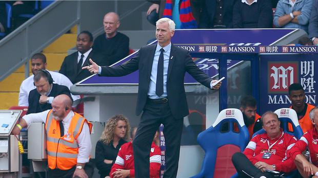 Crystal Palace manager Alan Pardew welcomes former club West Ham to Selhurst Park on Saturday