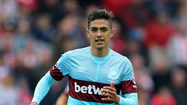 The impressive Manuel Lanzini scored late on to help West Ham beat Crystal Palace