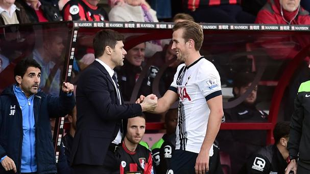 Mauricio Pochettino, left, is confident in Tottenham's propensity for quick turnarounds