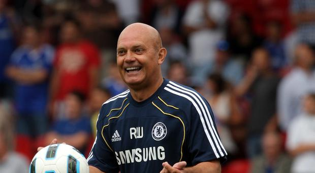 Ray Wilkins feels the Chelsea dressing room still supports Jose Mourinho