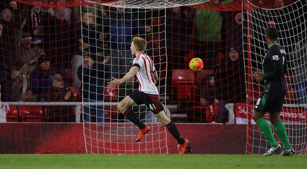 Duncan Watmore celebrates securing victory for Sunderland