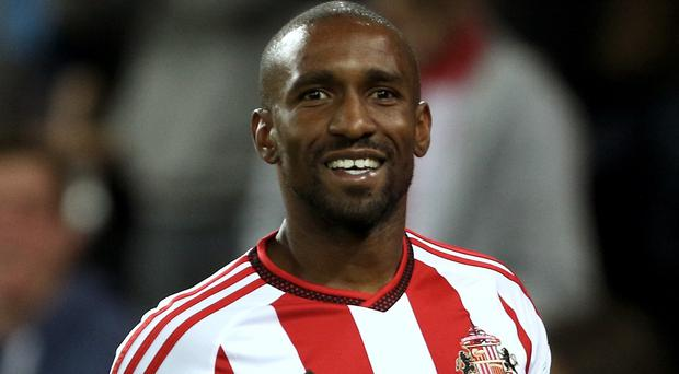 Jermain Defoe scored twice as Sunderland won for the first time in six attempts