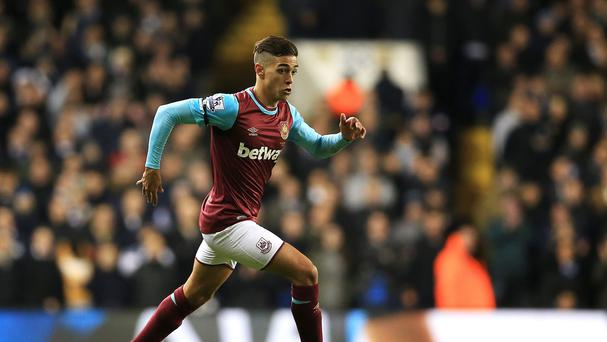 West Ham midfielder Manuel Lanzini went off injured against Liverpool