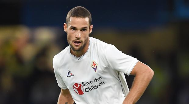 Spain midfielder Mario Suarez has joined Watford from Fiorentina on a four-and-a-half-year deal