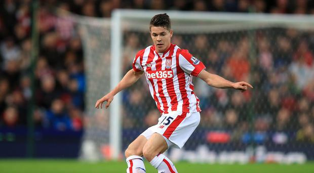 Chelsea midfielder Marco van Ginkel has cut short his loan at Stoke to join PSV Eindhoven until the end of the season