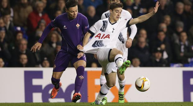 Tottenham Hotspur's Harry Winks has signed a new contract, keeping him at the club until 2019