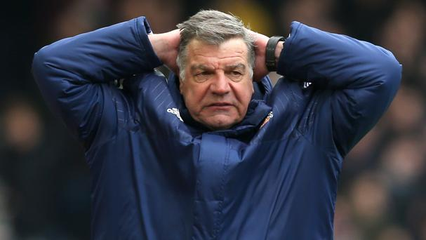 Sunderland manager Sam Allardyce has warned his players they could not have a better club for which to work