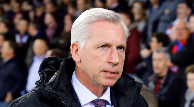 Crystal Palace boss Alan Pardew says he will not play a weakened team at Manchester United