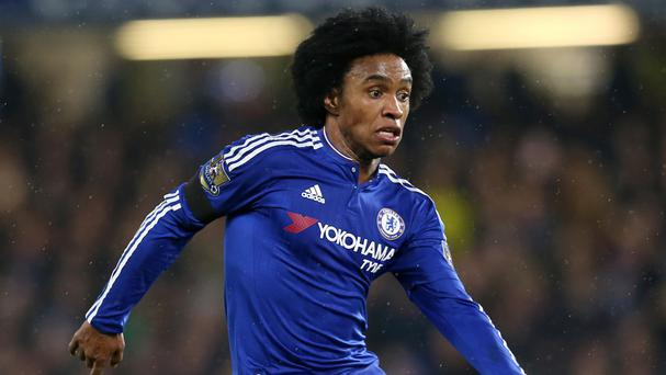 Midfielder Willian has penned a new contract with Chelsea