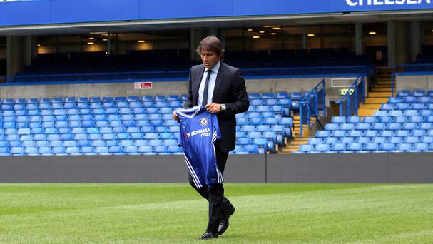 Chelsea manager Antonio Conte has hailed Leicester's team spirit