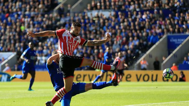 Southampton's Charlie Austin missed a fine chance in the Saints' goalless draw at Leicester