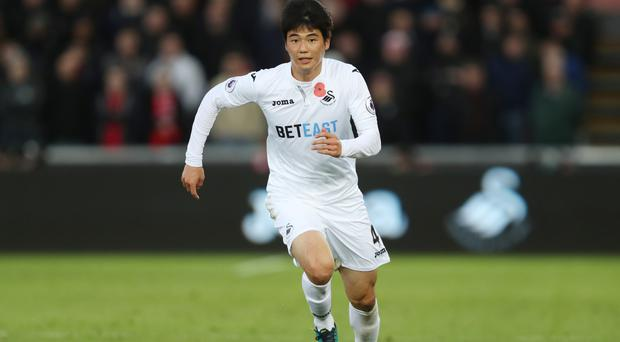 Ki Sung-yueng is unavailable for manager Bob Bradley after breaking his toe