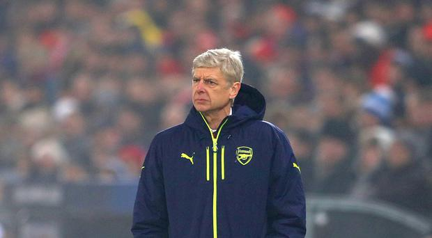 Arsene Wenger is looking to tie a number of Arsenal players down to new deals at the club.