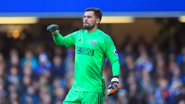 West Brom's Ben Foster will stay at The Hawthorns until 2019