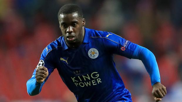 Midfielder Jeffrey Schlupp has joined Crystal Palace from Premier League champions Leicester