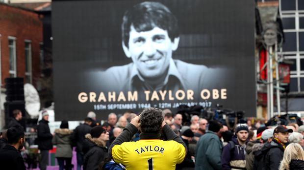 Watford plan to commission a statue of former manager Graham Taylor which will stand at the club's Vicarage Road stadium.
