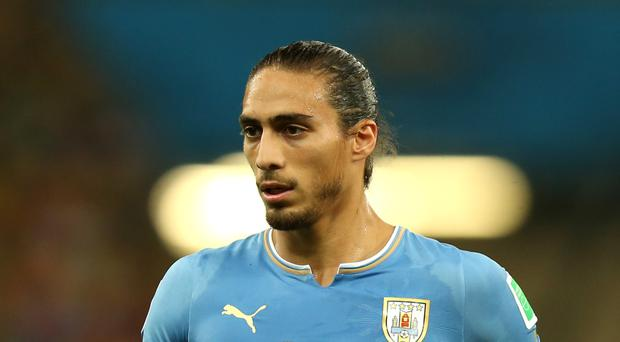 Uruguay international Martin Caceres has signed a short-term deal with Southampton