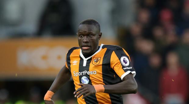 Oumar Niasse scored both Hull goals as they defeated Swansea