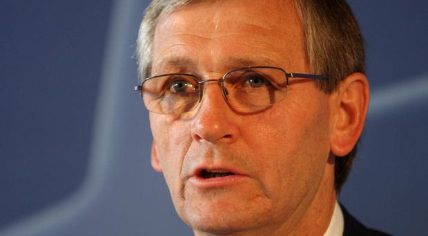 Former Arsenal manager Bruce Rioch says Arsene Wenger should be allowed to leave the club on his own terms