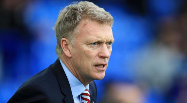Sunderland manager David Moyes has apologised to a female reporter over his conduct