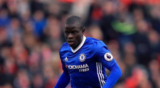 Chelsea midfielder N'Golo Kante wins football writers' award