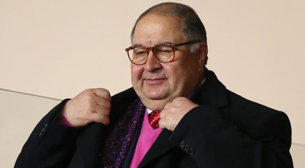 Arsenal shareholder Alisher Usmanov has launched a bid for total control of the club