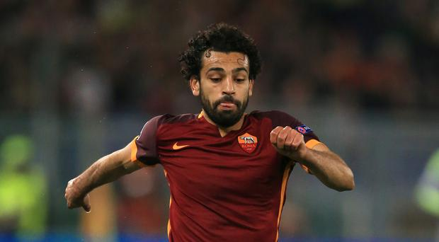 Roma winger Mohamed Salah is edging closer to completing his move to Liverpool.