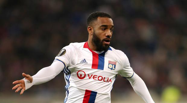 Arsenal in Alexandre Lacazette transfer talks with Lyon