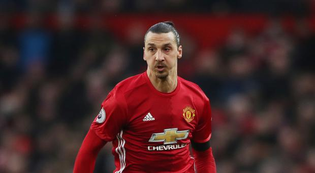 Zlatan Ibrahimovic returns to Manchester United with new 1-year deal