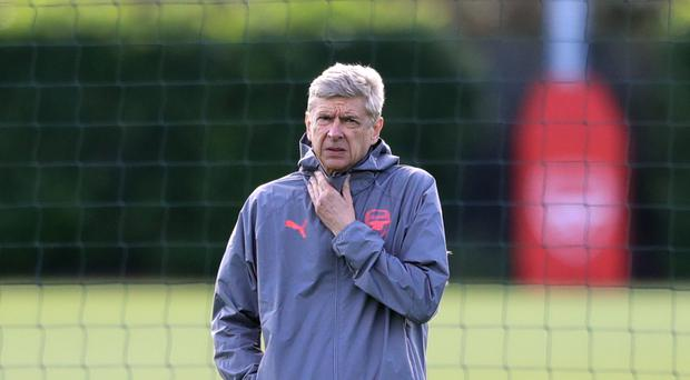 Arsenal manager Arsene Wenger says his players do not lack confidence ahead of their game with Chelsea
