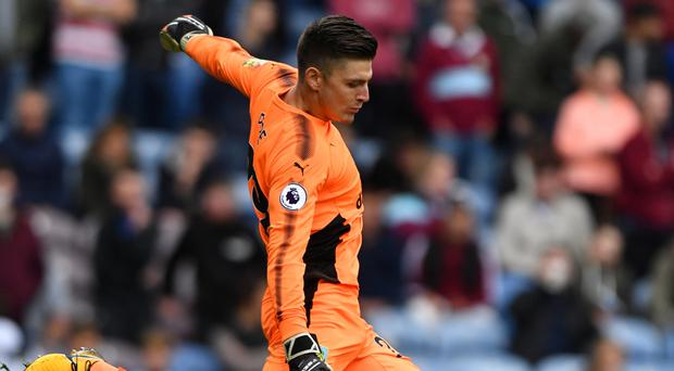 Burnley goalkeeper Nick Pope has signed a new contract