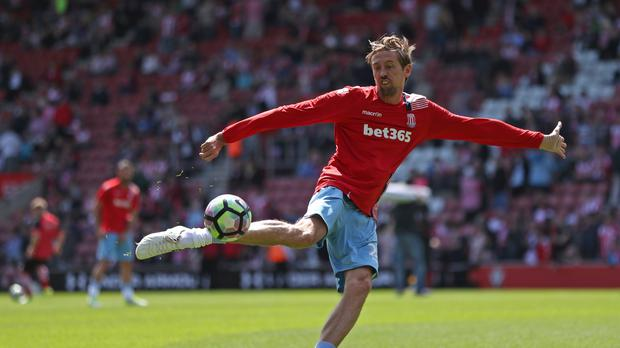 Stoke are lining up a new deal for veteran striker Peter Crouch