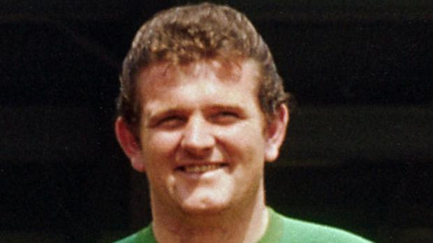 Tommy Lawrence, Liverpool keeper under Bill Shankly, has died aged 77
