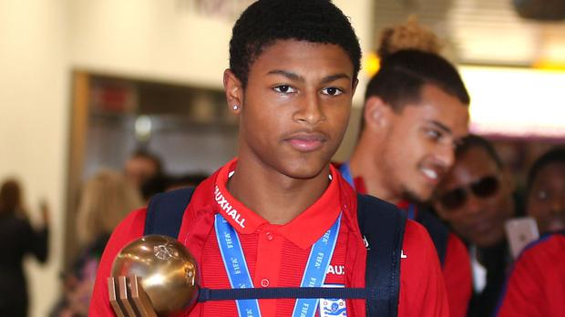 Liverpool prospect Rhian Brewster signs first professional contract