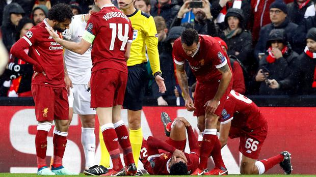 Liverpool midfielder Alex Oxlade-Chamberlain's season has been ended by a knee ligament injury