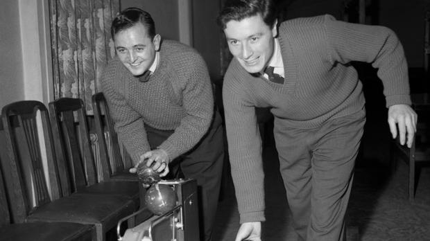 Burnley team-mates Jimmy McIlroy (right) and Brian Pilkington (PA)