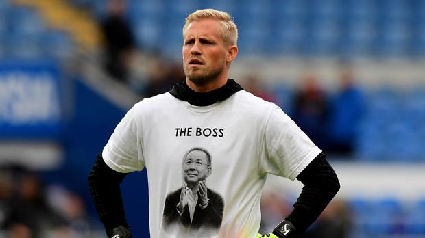 Kasper Schmeichel wears a shirt paying tribute to the late Leicester owner Vichai Srivaddhanaprabha (Simon Galloway/PA)