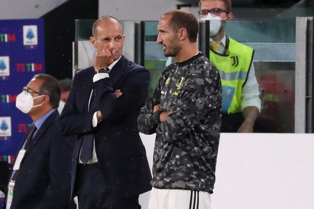 Max Allegri and Giorgio Chiellini exchange views as Juventus search for answers