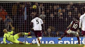 Danny Ings scores from the spot to earn Burnley a point