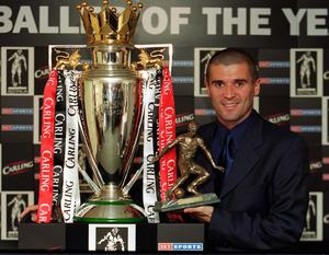 Roy Keane holds the the Football Writers' Association player of the year award (Peter Jordan/PA)