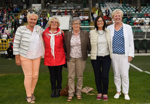 Dundalk Ladies' footballers Paula Gorham, Marie Conway (nee Bingham), Kay O'Connor, Margret Enright (nee Murphy) and Marie O'Connell who played against Corinthian Nomads. Photo: Stephen McCarthy/Sportsfile