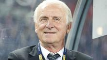 Former Ireland coach Giovanni Trapattoni claims he has been contacted by Greece to replace Claudio Ranieri