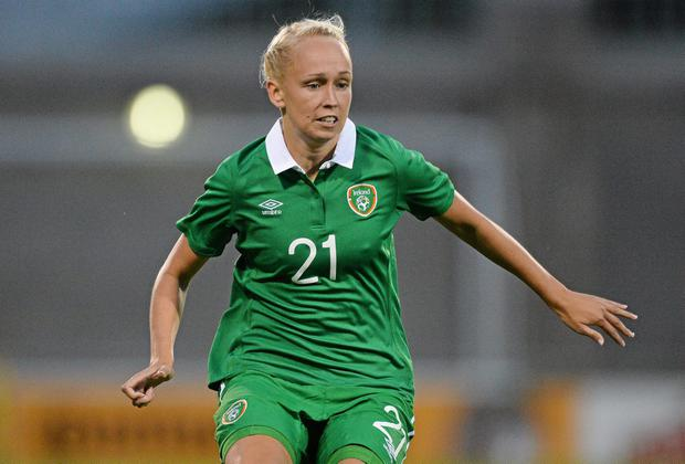 Stephanie Roche buried a stoppage-time winner to earn a 1-0 victory over Slovakia